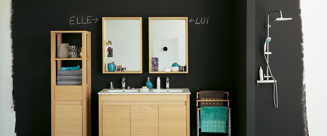 Osez les meubles en bois dans la salle de bain