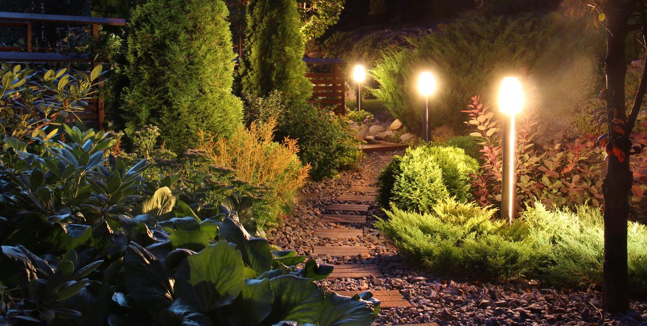 Luminaires outdoor : éclairez votre balcon, terrasse ou jardin