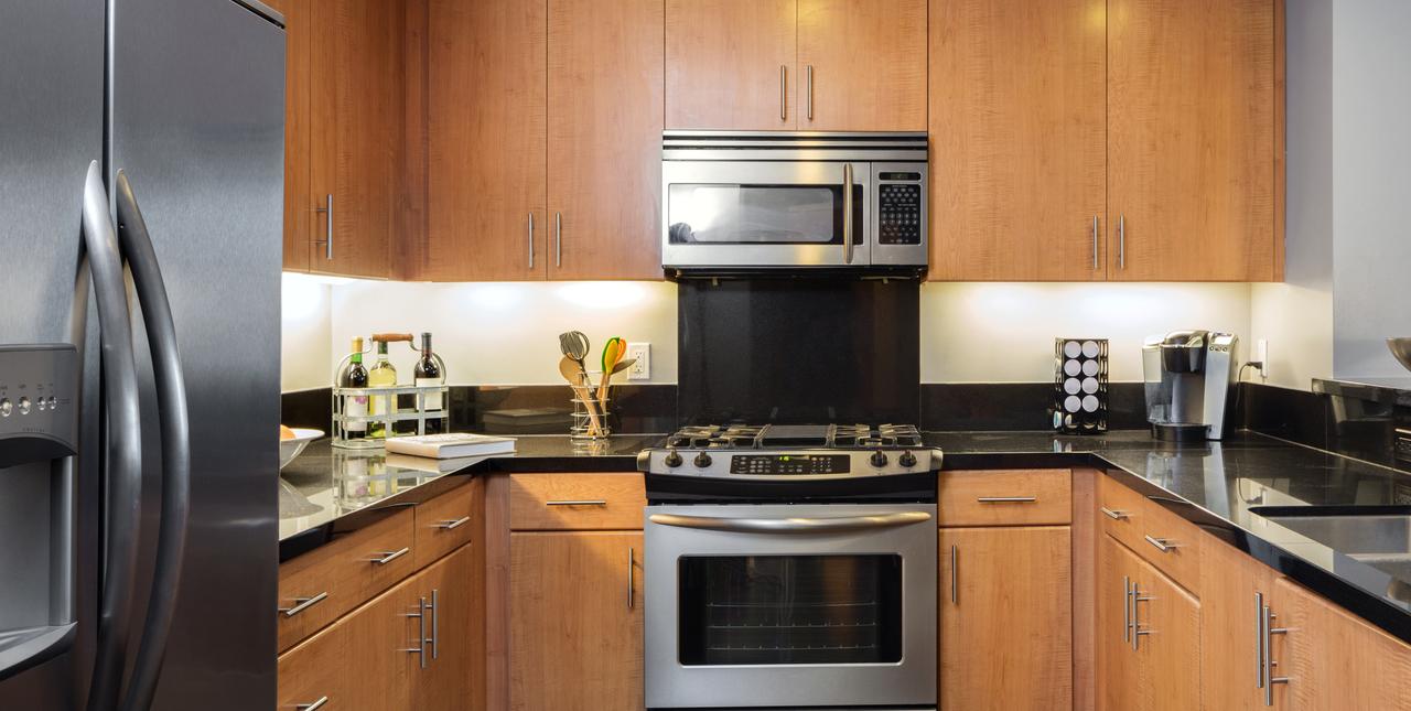 Une cuisine en bois moderne c'est possible !